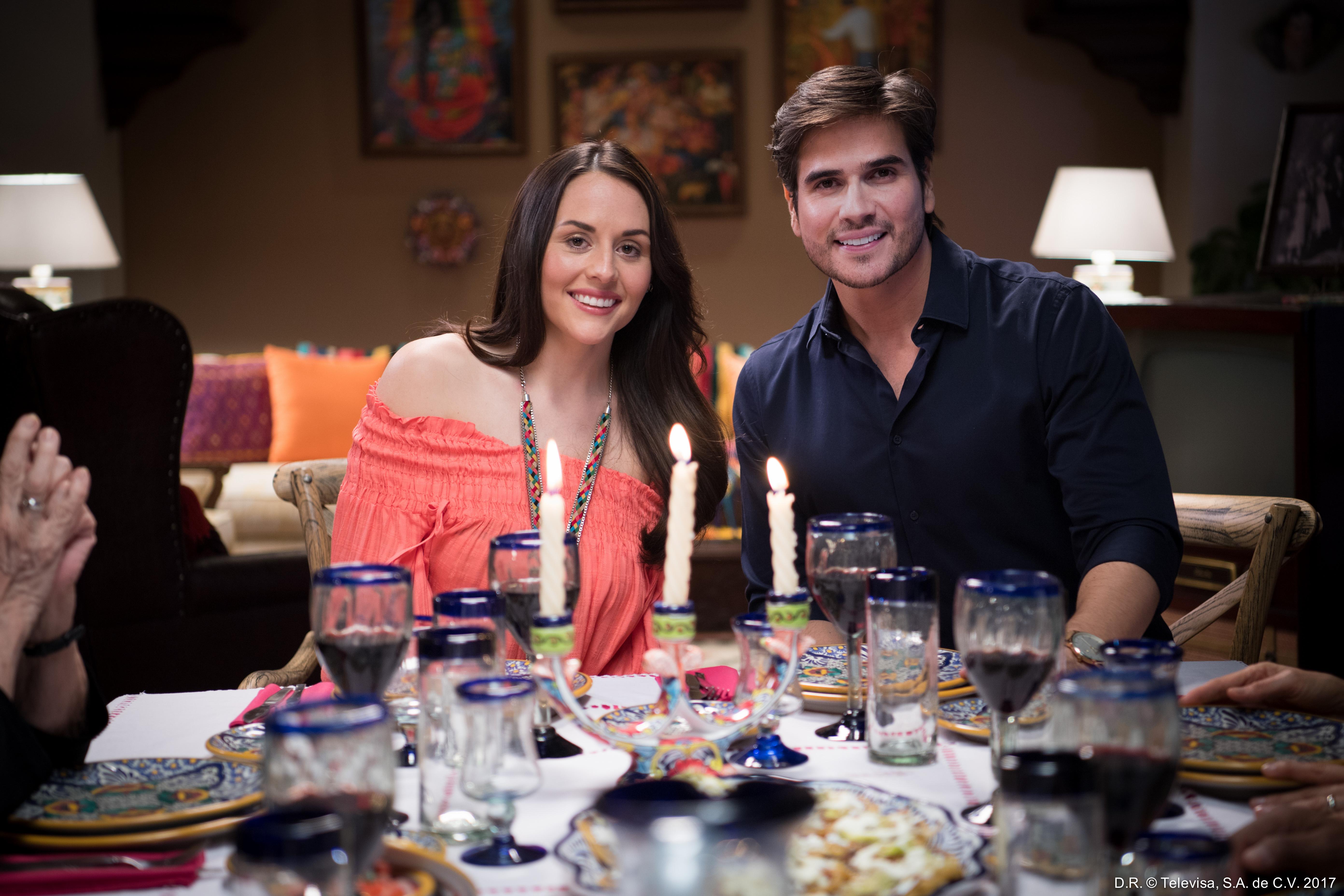 Zuria Vega y Daniel Arenas regresan para la segunda temporada de  'Mi Marido Tiene Más Familia'.